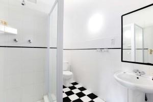 Elk appartement heeft twee nette badkamers