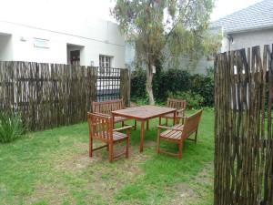 Dit is de tuin bij het studentenhuis